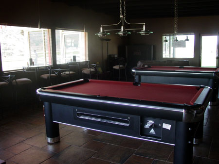 Lougue with pool tables